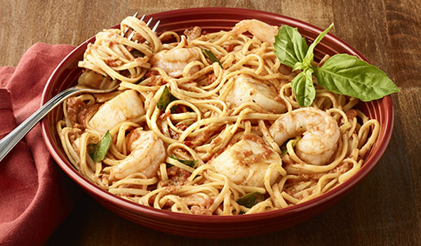 SHRIMP & SCALLOP LINGUINE ALLA VODKA
